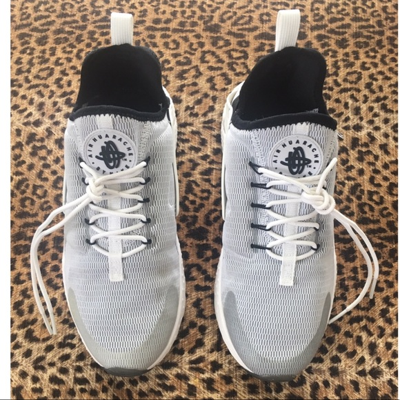 f543f84465dee Nike Womens Air Huarache Run Ultra. M 5c549d77c9bf50aa054a02a0